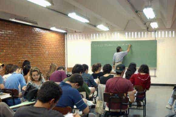 MEC reabre sistema do Fies para novos alunos dia 23
