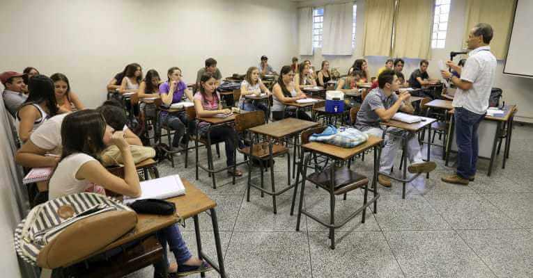 Quem são os estudantes financiados pelo FIES?